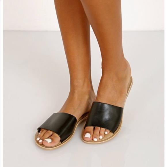 0bdc802b0a1cb1 Matisse Cabana Black Slide Sandal. M 5b3ec9e67386bc47e25a2ab0